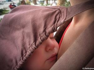matériel_pour_voyager_avec_un_enfant_dormir_ergobaby