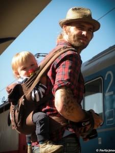 matériel_pour_voyager_avec_un_enfant_ergobaby1