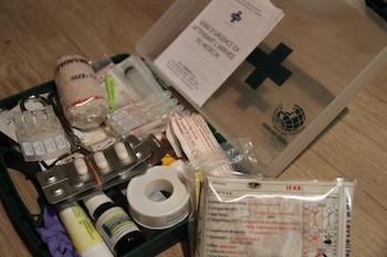 La pharmacie de voyage avec des enfants