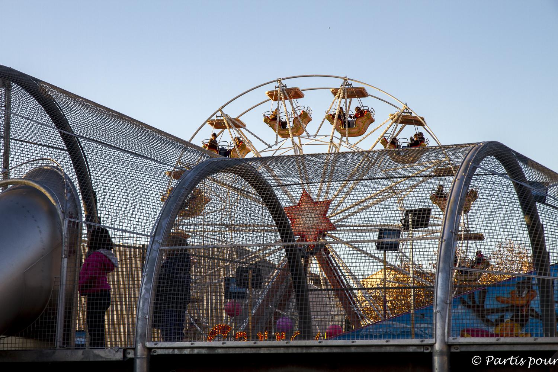 Folies Foraines et aire de jeux. Friche la Belle de Mai. Marseille avec un enfant