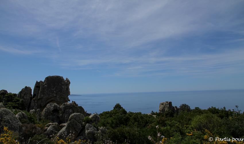Petits plaisirs de mai. Randonnée sur le Sentier des Crêtes à Ajaccio, Corse