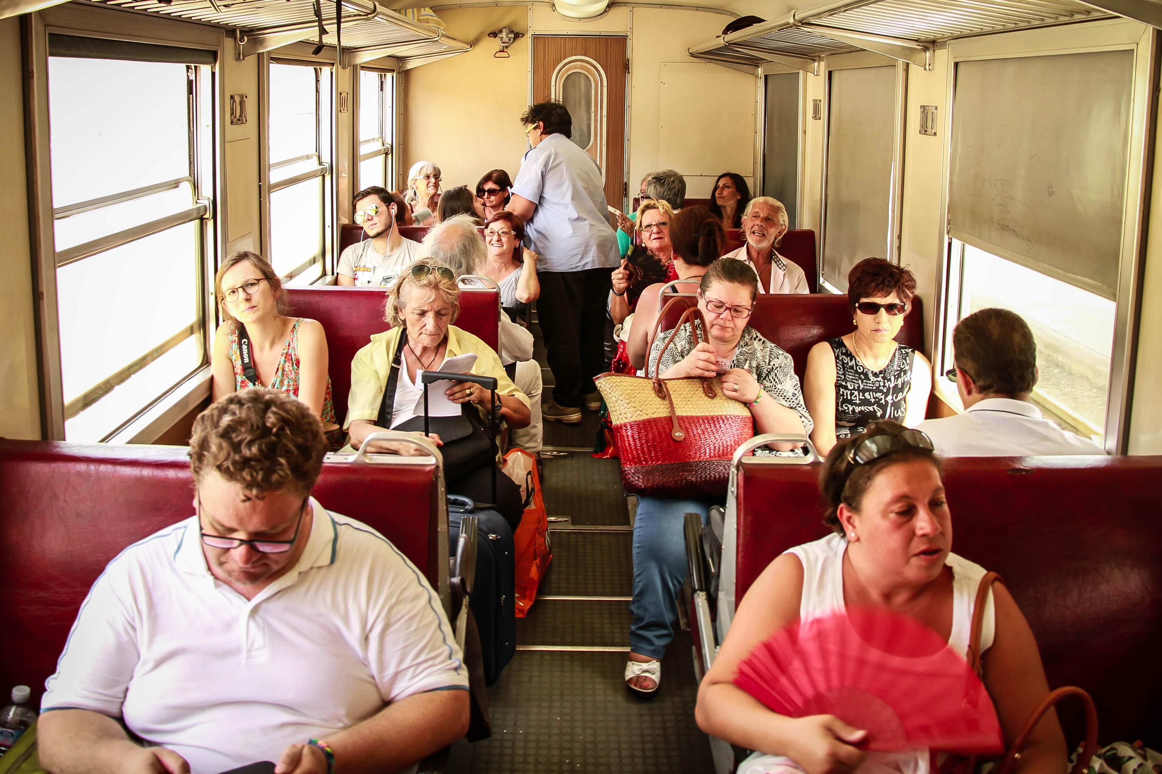 Errances ferroviaires. Partager des insants de vie. Circumetnea, Sicile. Italie