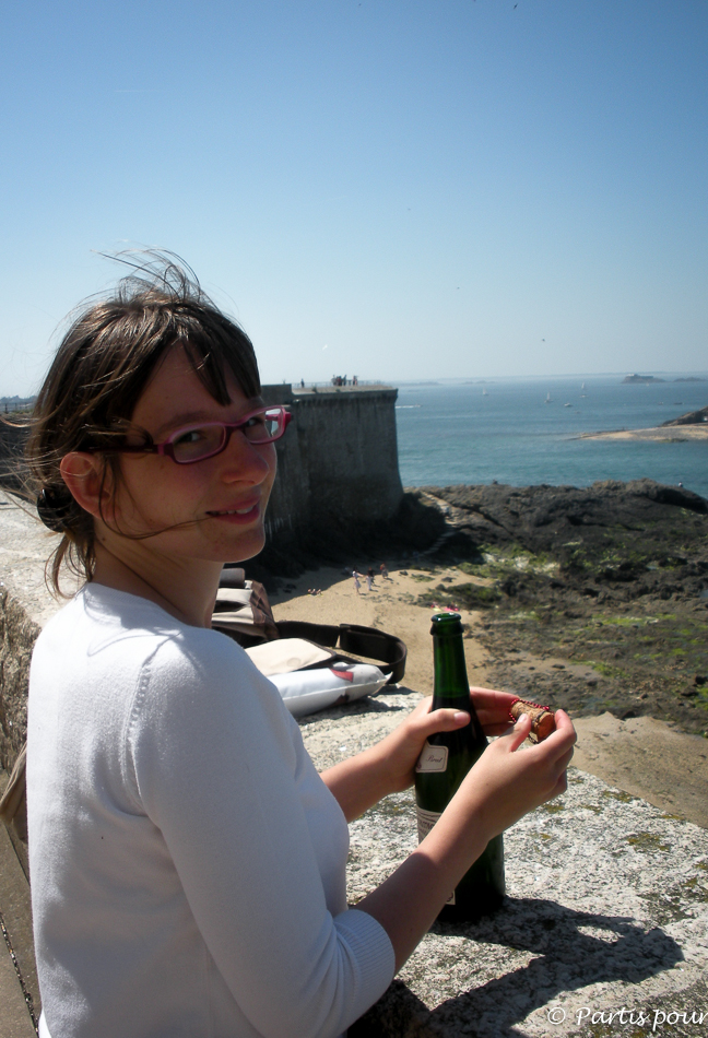 Du cidre sur les remparts de Saint-Malo lors du Festival des Etonnants Voyageurs