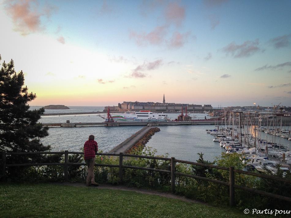 Vue sur Saint-Malo Intra Muros. Bonnes adresses à Saint-Malo