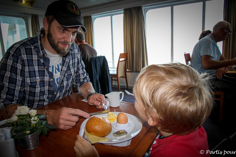 Petit-déjeuner sur le King Seaways, Traversée Amsterdam - Newcastle, DFDS Seaways