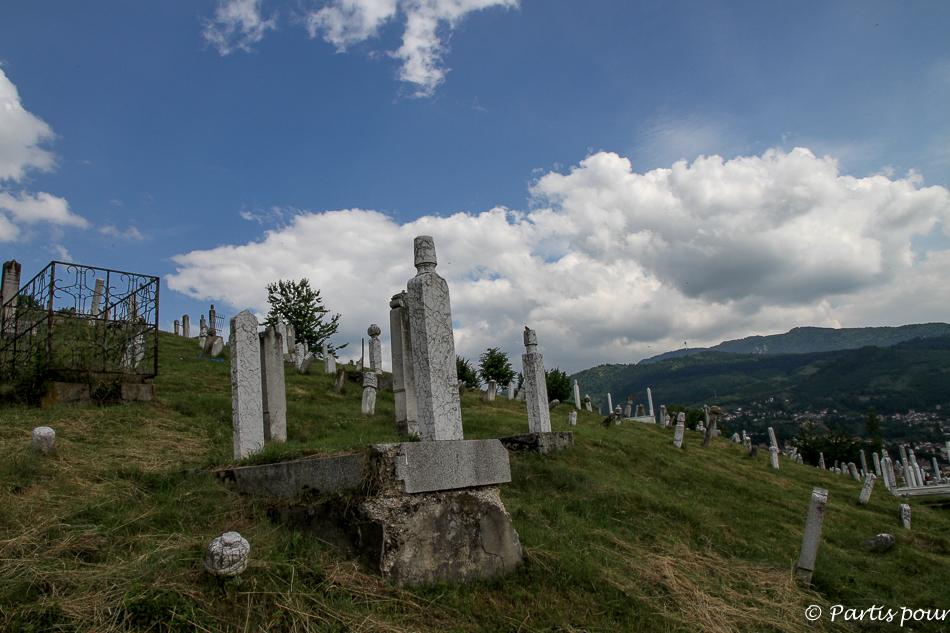 Cimetière musulman sur la colline. Trois semaines à Sarajevo