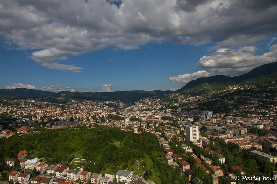 Vue sur Sarajevo depuis la tour Avaz. Trois semaines à Sarajevo