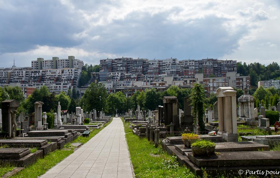 Cimetière orthodoxe du Stade Olympique. Trois semaines à Sarajevo