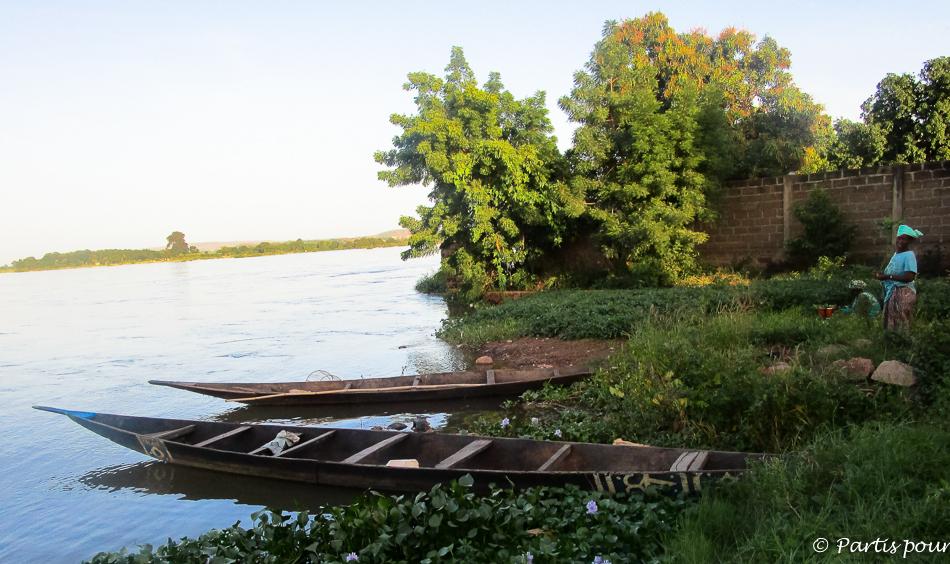 Au bord du fleuve Niger à Bamako, Mali