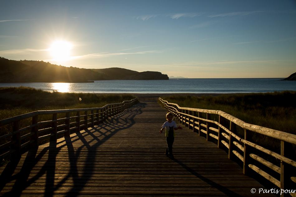 Bilan 2015. Coucher de soleil sur la plage de Gorliz, Pays-Basque, Espagne