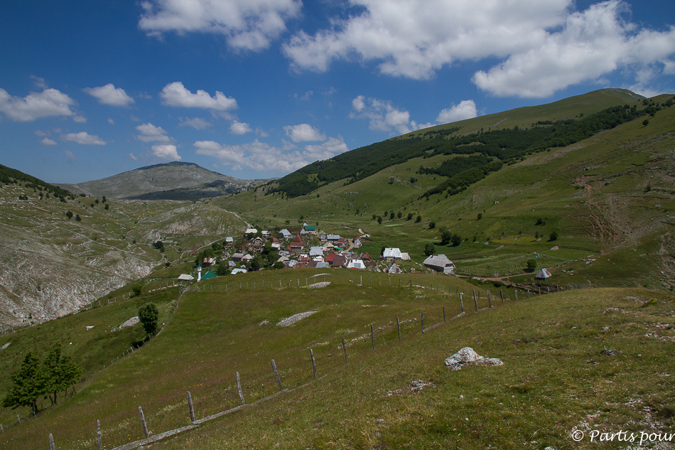 Le village de Lukomir. Sortir de Sarajevo