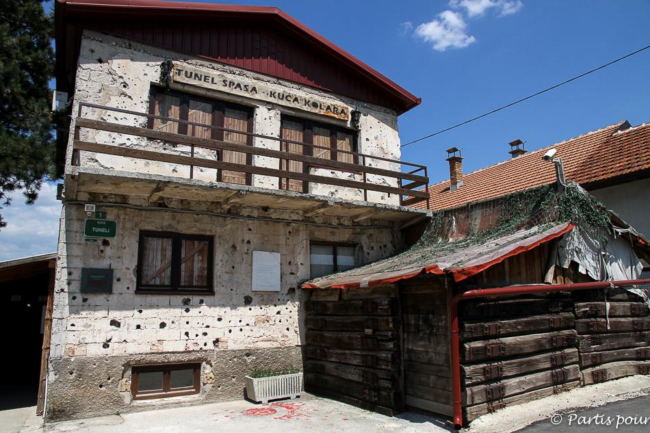Maison à Butmir. Musée du Tunnel. Sortir de Sarajevo