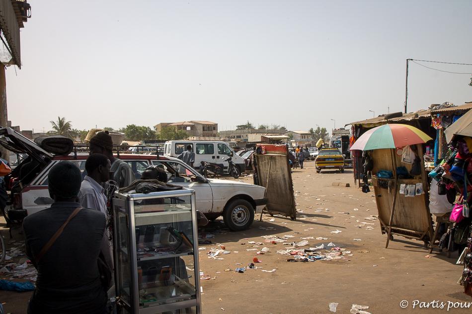 Gare routière de Ziguinchor. Itinéraire d'un voyage au Sénégal