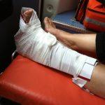 Que faire en cas de fracture ? Immobilisationa avec une attelle improvisée