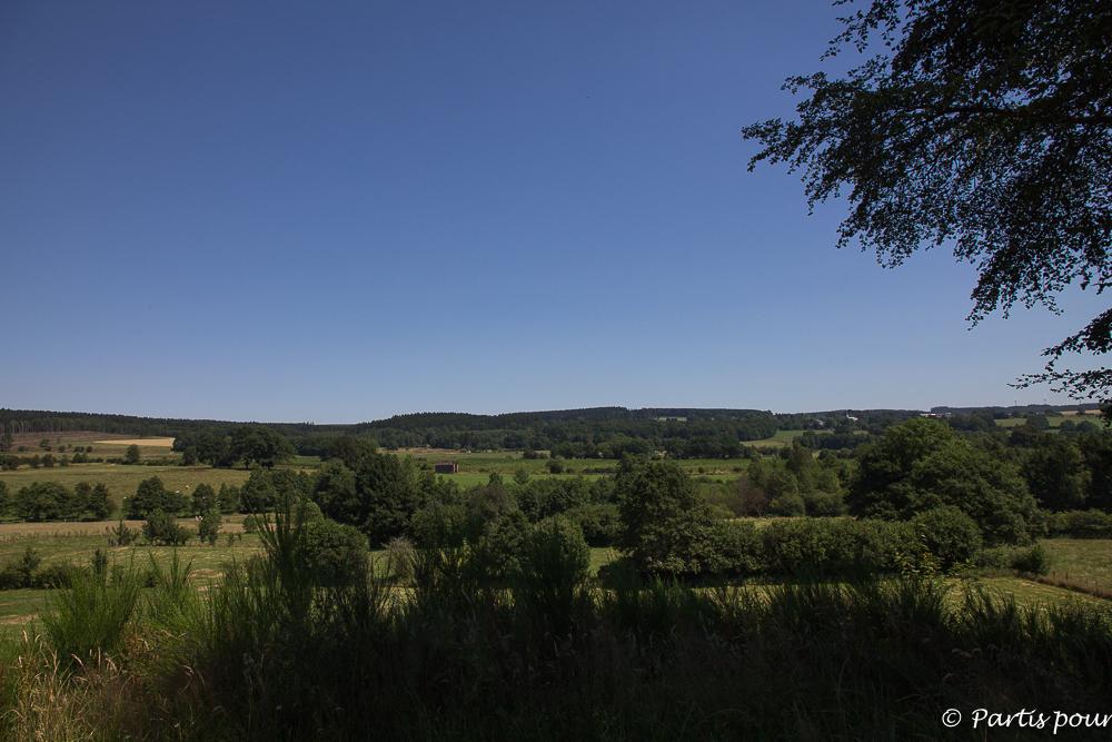Paysage dans les environs de Gouvy. La Province de Luxembourg en famille.