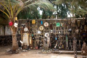 Sur l'île de NGor. Dakar avec un enfant