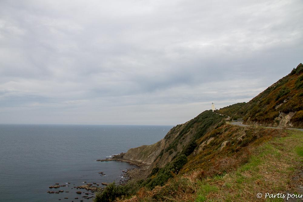 Gorliz au matin sous la grisaille. Gorliz entre mer et montagnes. Pays-Basque, Espagne