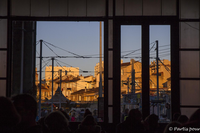 Un soir aux Folies Foraines à la Friche Belle de Mai, Marseille, France. Bilan vie nomade