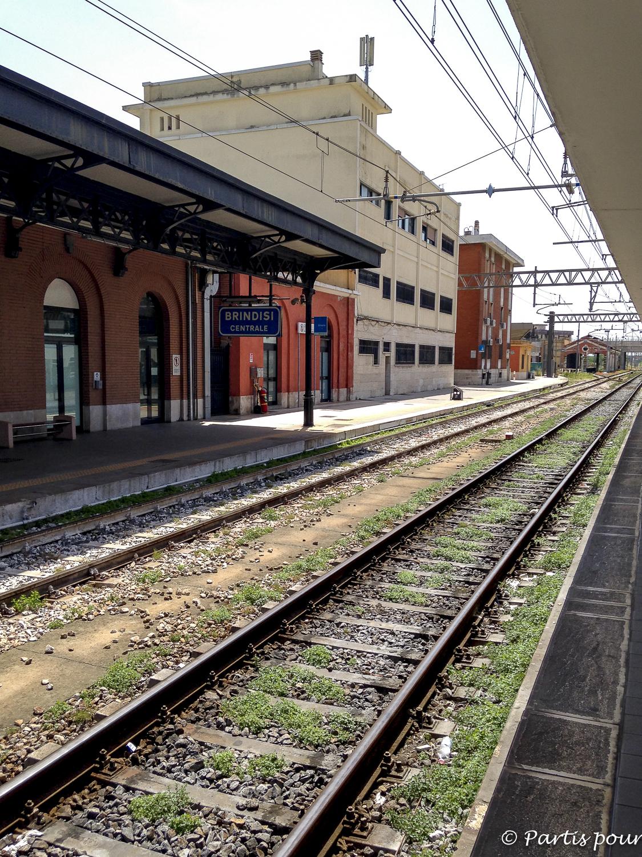 Départ depuis la gare de Brindisi pour rejoindre Bruxelles. Bilan d'une année de vie nomade
