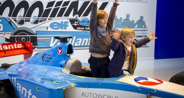 Un week-end à Bruxelles avec des enfants : l'Autoworld au Parc du Cinquantenaire
