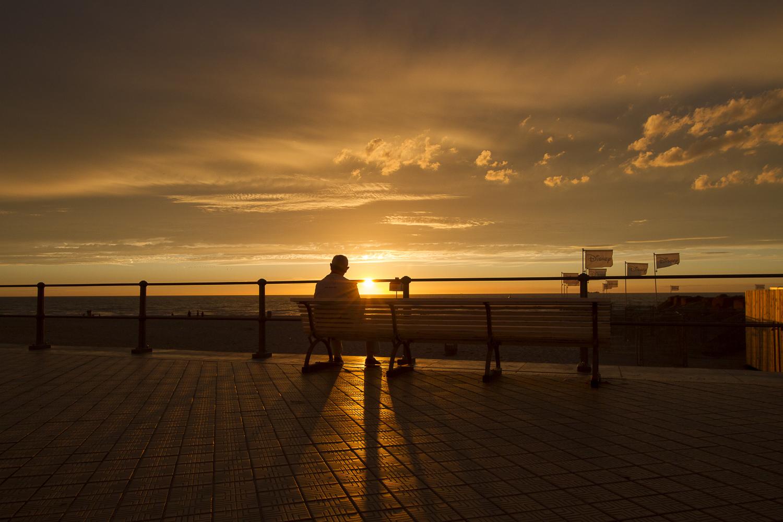 La solitude sur un banc, Ostende, Belgique