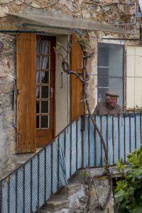 Se couper du monde à Digne-les-Bains et ses environs. Dans le village de Courbons