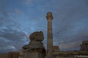 Colonne symbolisant la fin de la Via Appia venant de Rome, Brindisi, Italie