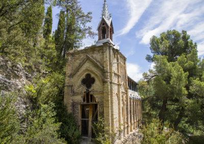Eglise abandonnée sur les hauteurs de Digne-les-Bains, France