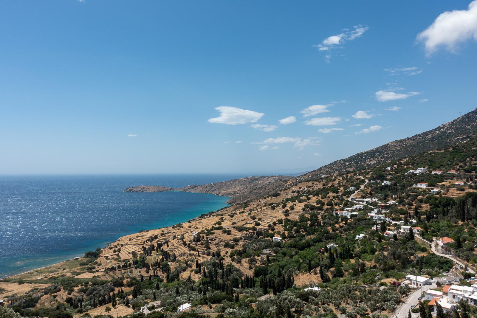 Itinéraire d'un voyage dans les Cyclades : Andros, la plus à l'ouest des Cyclades. Partis pour la Grèce