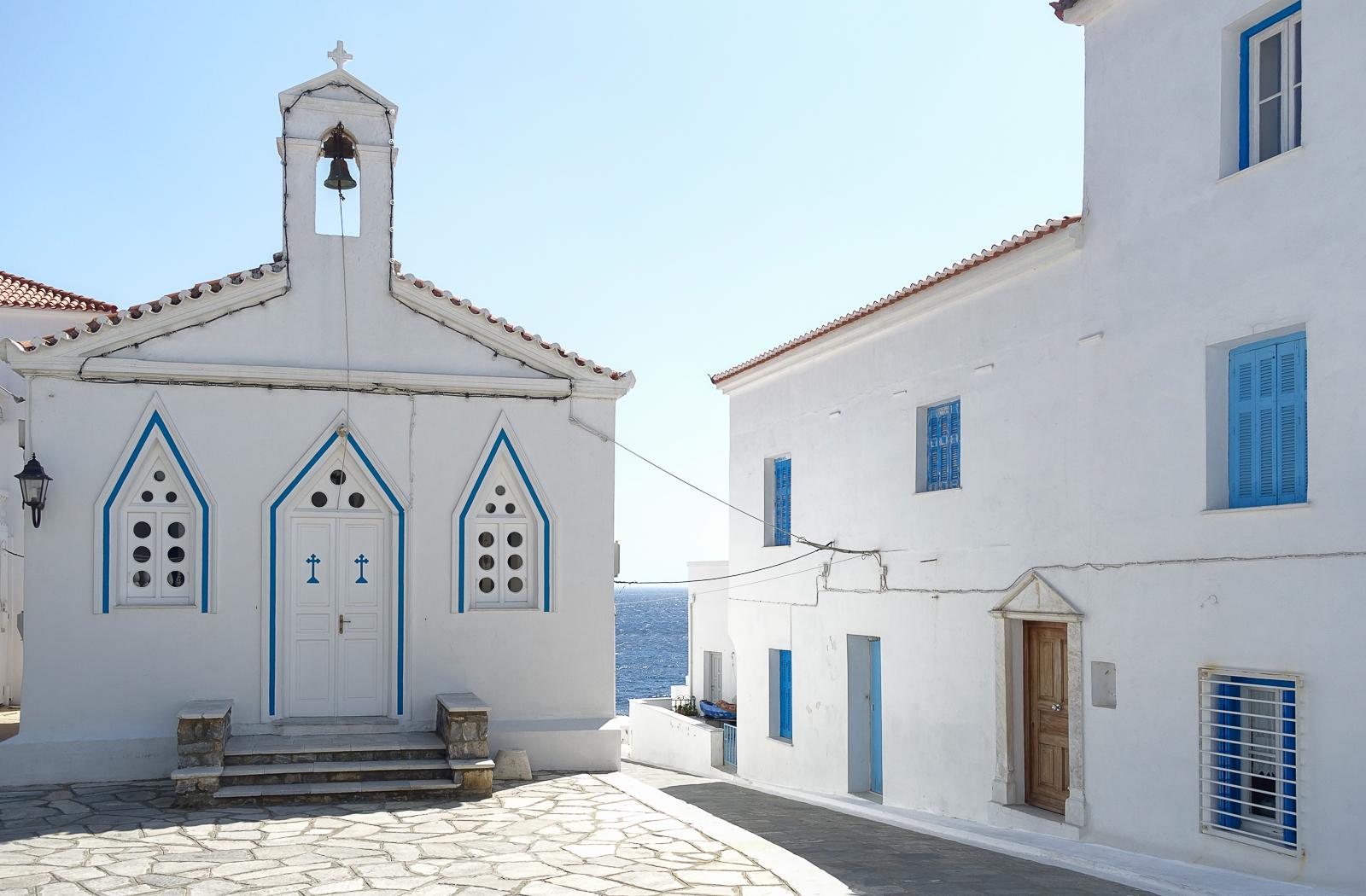 Itinéraire d'un voyages dans les Cyclades : Chora, Andros. Partis pour les Cyclades