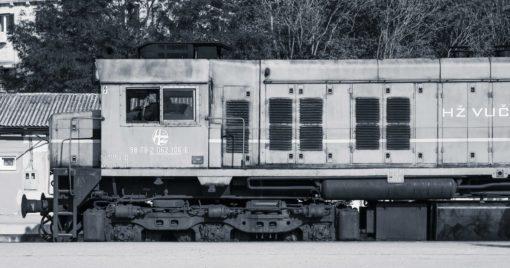 Vers Sarajevo. Une errance ferroviaire de Joël Schuermans. Collection Errances. Editions Partis Pour - Gare de Split, Croatie